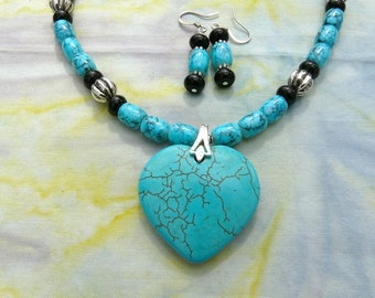 20 Inch Turquoise and Black Onyx Southwestern Heart Necklace with Earrings
