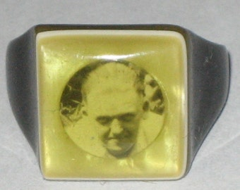 Vintage 30s 40s photo picture bakelite celluloid folk art prison ring