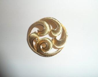 Vintage Goldtone Large Swirl Design Fashion Brooch