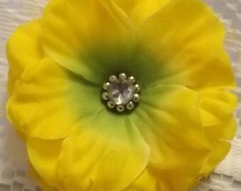 Yellow Flower Hair Clip Medium, Hair Clip, Flower Clip, Yellow Hair Clip, Flower Girl Hair Clip, Teen Hair Clip, Adult Hair Clip