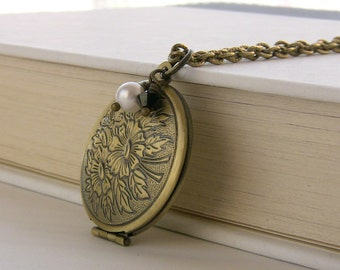 Round Picture Locket Floral Locket Necklace Teens Jewelry Gift Idea Simple Locket Photo Locket Jewelry