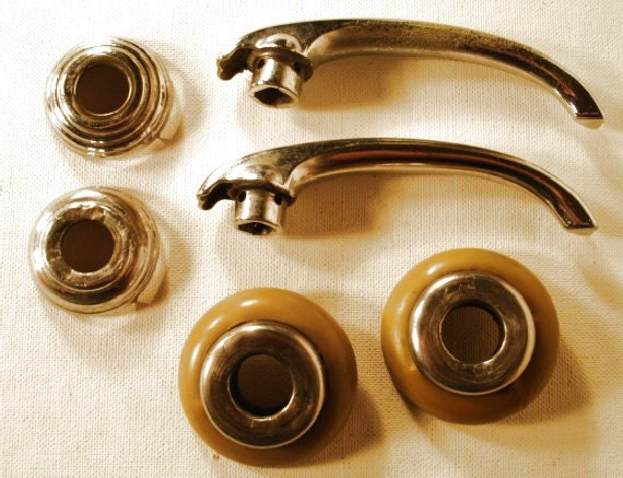 Vintage 1950 39 s 2 car door handles with bakelite for 1950 door handles