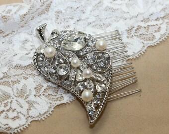 Bridal Hair Comb, Wedding Hair Comb, SWAROVSKI crystals Freshwater Pearls Hair Comb, Leaf Hair Accessory, Wedding Hair Comb
