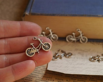 10 pcs Antique Silver Bicycle Charms Pendants 26mm (BC779)