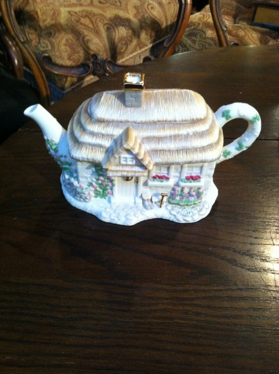 Lenox Vintage Irish Cottage Teapot Bridal Shower Tea Party