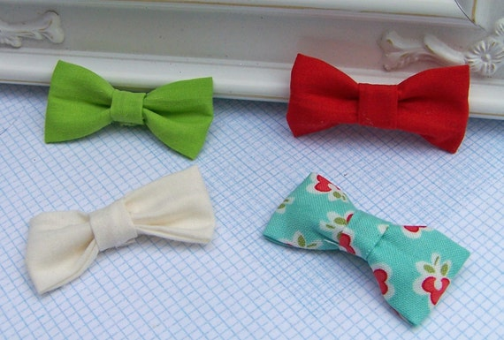 Set of 4 Shabby Chic Mini Fabric Bows - Red, White, Floral Print, Green