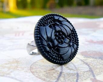 Tropical Leaf - adjustable Vintage glass button ring