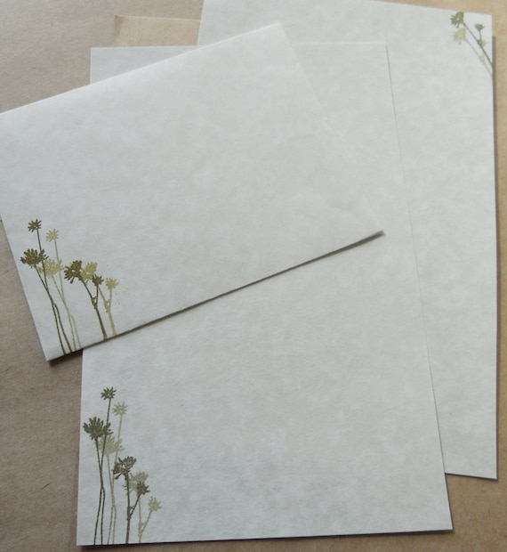 Parchment paper stationery set. Writing paper hand stamped with green flowers, set of 30.