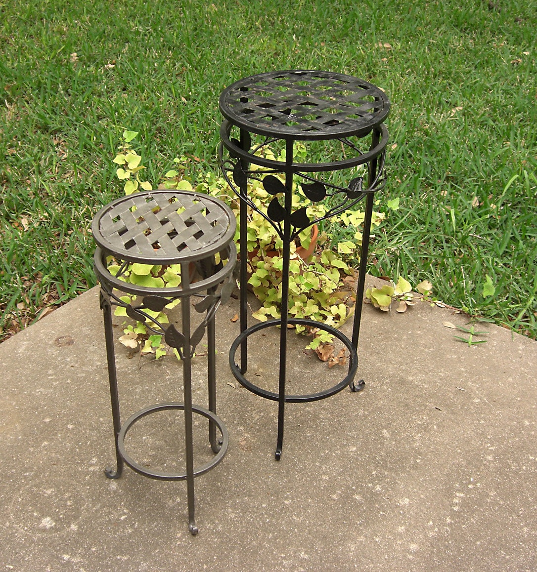 2 Wrought Iron Metal Plant Stands Lattice And Vine Pair