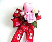 Red and pink Valentine's day gift bow/ Gift wrapping bow/ Hearts and flowers holiday bow/ Valentine holiday decoration (V20)