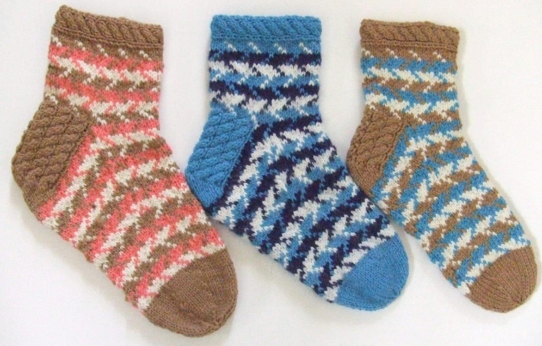 Knitting Pattern Women s Socks : Knitting Pattern Cresting Waves Socks ladies womens