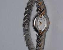 Pulsar ladies vintage watch gold silver tone oval watch
