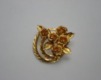 Vintage Gold Tone Coro Rose Brooch - Flower Bouquet Wreath Pin Jewelry 1960s