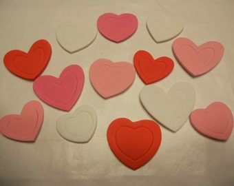 13 foam stick on hearts, 24 - 34 mm