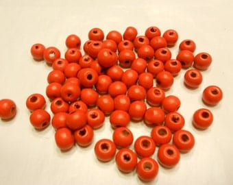 70 red wood beads, 8 mm (B9)