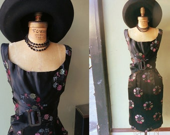 ALFRED SHAHEEN Designer 1950's Asian Satin Brocade Belted Inky Black VLV Cocktail Party Mad Men Tiki Dress Plunging Neckline & Pockets Xs Sm