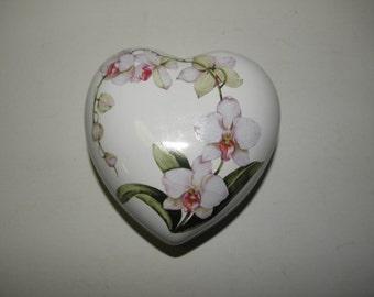 Porcelain Heart Box