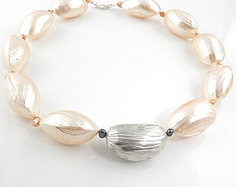 Peach Perfection Shell and Pure Silver Necklace
