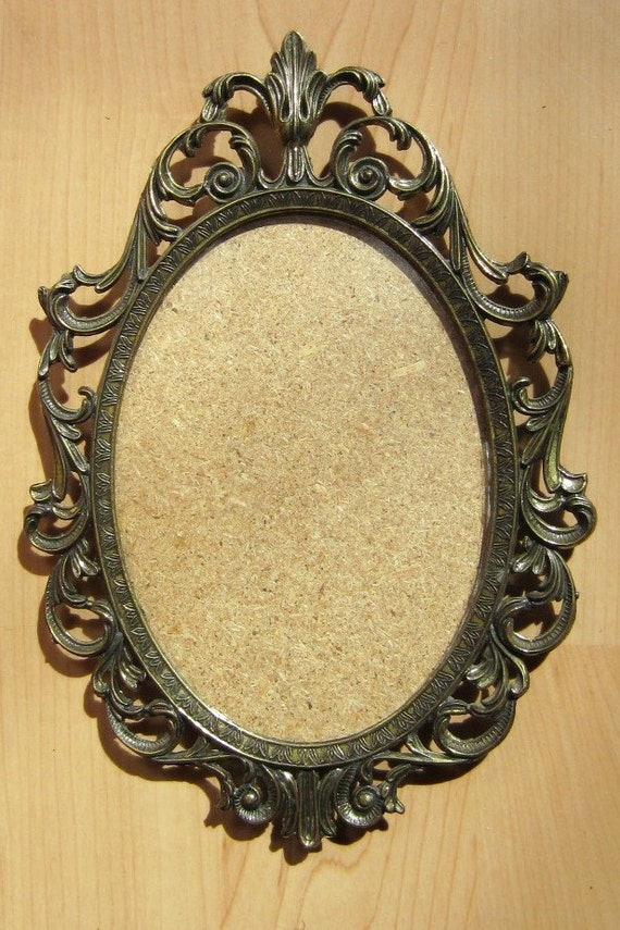 Details about brass photo frame vintage ornate oval frame victorian - Vintage Ornate Brass Frame With Concave Glass Made In Italy