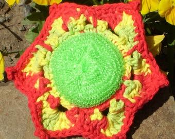 FLOWER Scrubbie   Brighten up your Kitchen or Bath   Cotton Yarn Border Non Abrasive Dish Cloth Scrubbie or Body Scrubber Bright Fun Colors