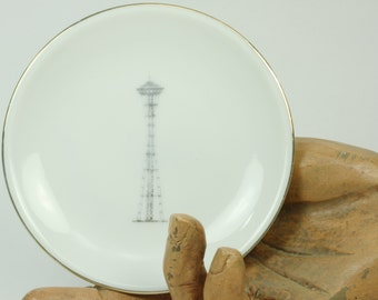 Vintage China Dish/Ashtray Seattle Space Needle Collectible