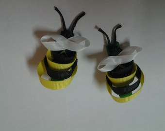 Pair of bumblebee Clippies