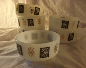Federal ATOMIC STARBURST Pattern Dessert Milk Glass BOWL (1)