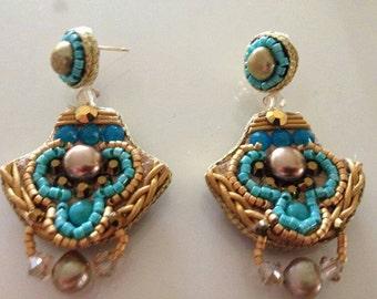 Pearl earrings. Brides earring. Bead Jewelry.  Romantic  earrings.