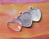 10 Blank Silver Plated 1 inch 25mm Heart Shaped Bezel Pendant Tray Settings with Glass Inserts
