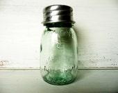 Vintage, Mason Jar - Glass Shaker - Parmesan Cheese or Crushed Pepper - Kitchen Housewares