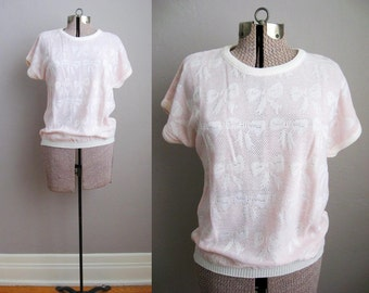 1980s Vintage Sweater Bow Pattern Pink White Short Sleeve Slouchy Top / Medium
