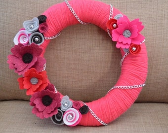 Yarn Wreath - VALENTINE'S DAY - 12 inch Hot Pink Yarn Covered  Wreath with Handcrafted Felt Flowers