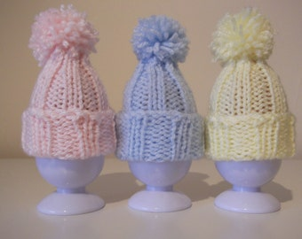 Tiny Pompom Hat ~ Easter Egg Cosy / Christmas Tree Ornament ~ Knitting pattern