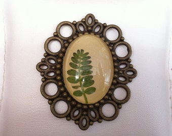 Leaf brooch - vintage style bronze brooch with pressed flowers and glass cabochon on leather