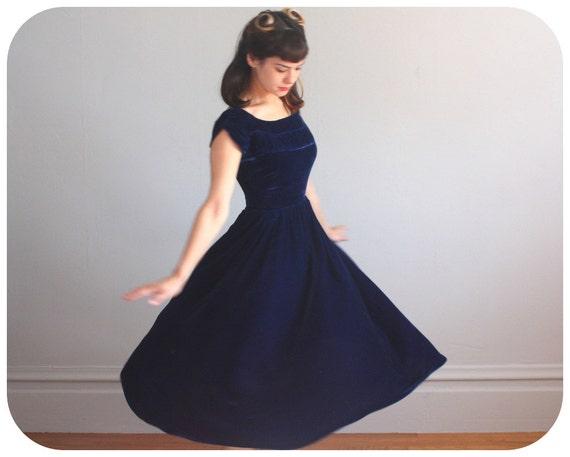 BLUE VELVET Dress - 1950s Elegance - As Is - xxs to xs