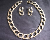 Chain Link Necklace Earring Set Gold Tone Chunky Classic Fashion