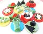 Edible Peter Pan Cupcake toppers  -  NEVERLAND Party Set - Peter Pan Cupcakes - Fondant cake decorations (12 pieces)