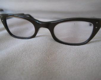 U.S.A Horned Rimmed Cateye eyeglasses Vintage 1960's pearlescent brown with metal details