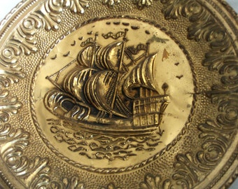 Spanish galleon, wall hanging plate VINTAGE BRASS Nautical home decor, caravel, Repousse picture, Pirate ship, ocean sailing vessel sea boat