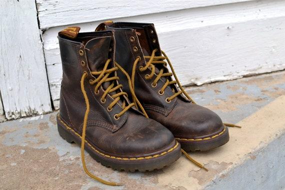 Dr. Martens Boots - Doc Martens - Women's Size 6 - UK Size 4 - Vintage Boots