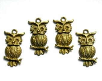 4 Antique Bronze Owl Charms - 21-56-6