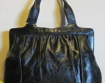Lovely vintage black leather bag handbag