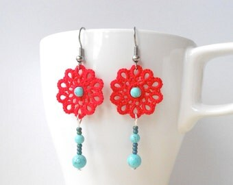 Red  tatted lace earrings -  tatting - floral - turquoise beads