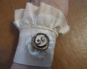 Ivory Wrist Cuff Wedding Bridal Chic and Shabby Victorian Antiquie Steampunk