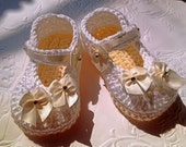 White and Ivory Crochet Booties, Baby Girl Crochet Booties, White Crochet Booties