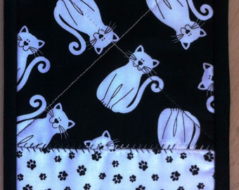 Black and white cat quilted mug rug, snack mat, place mat  or candle mat
