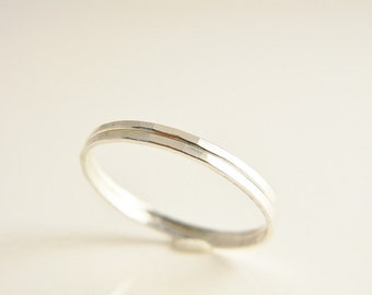 Modern minimalist ring. Set of two stacking rings. Hammered Sterling silver. Skinny silver rings.