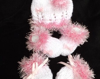 hand knitted hat booties /.shoes mitts white and furry pink baby girl