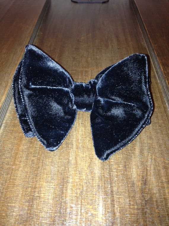 Vintage Black Velvet Clip Bow Tie
