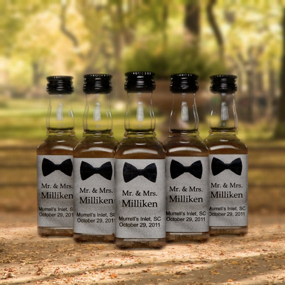 Wedding Gifts For Bridal Party: 25 Wedding Favors Bow Tie Mini Bottle Labels For Wedding Party